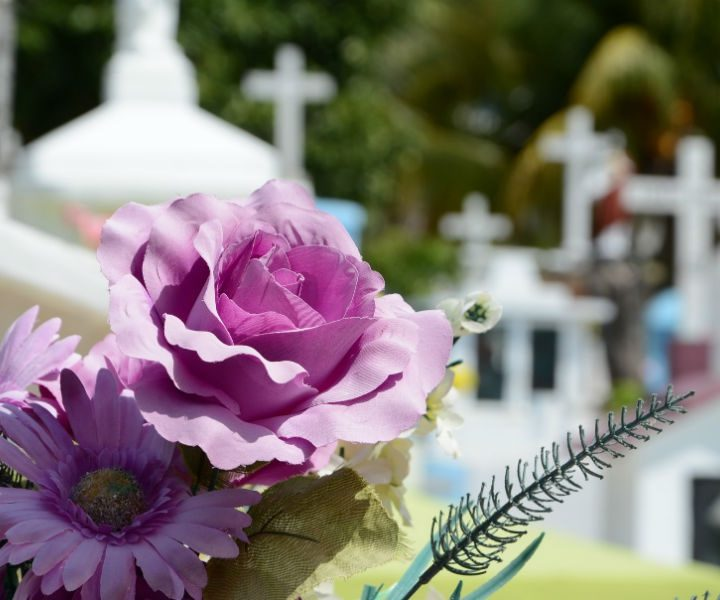 Practical Guide to Select a Funeral Wreath