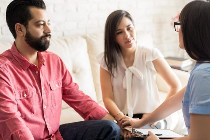 How To Handle Tough Marriage And Risk of Divorce Strongly