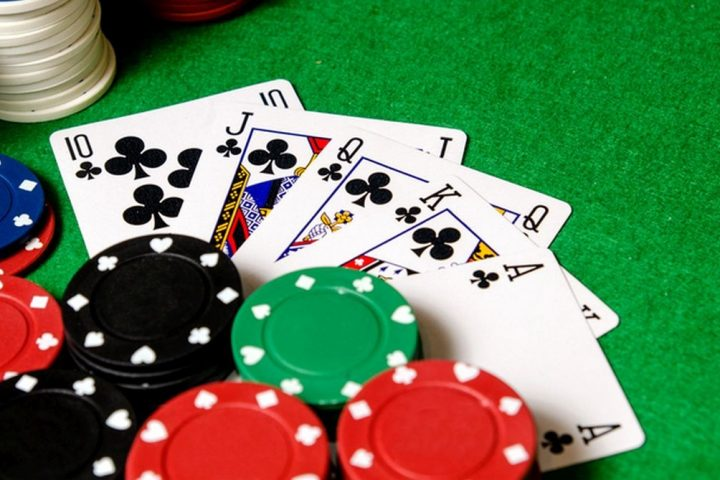 Effectiveness of online poker that allures people